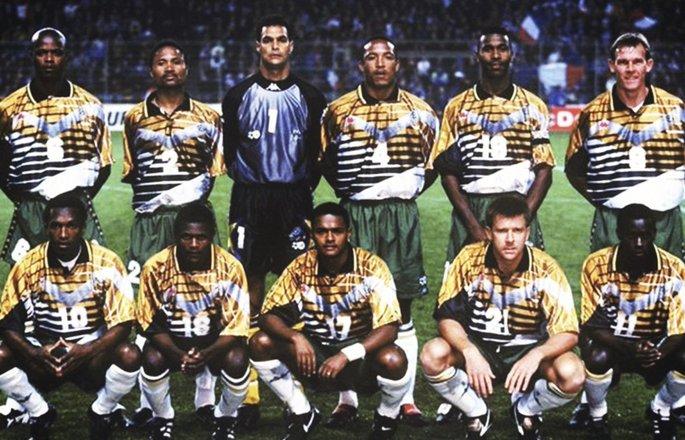 Футбол сильнее апартеида: как сборная ЮАР довела до слез Манделу - изображение 2