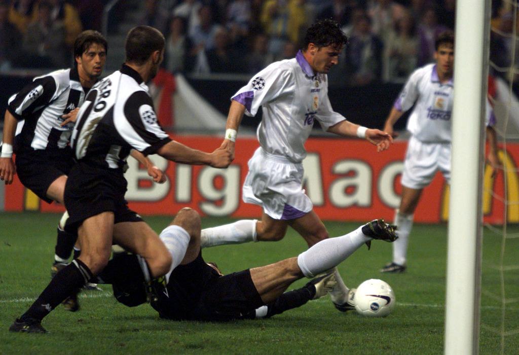 Футбол пришёл в мою жизнь вместе с ЧМ-1998. Я смотрел все матчи турнира, но проспал финал - изображение 1