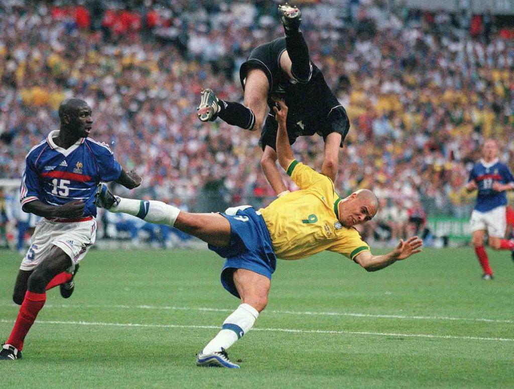 Футбол пришёл в мою жизнь вместе с ЧМ-1998. Я смотрел все матчи турнира, но проспал финал - изображение 2