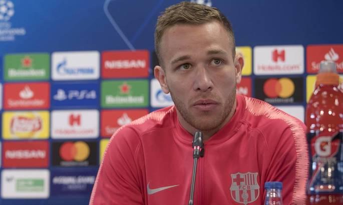 Артур: Єдине, чого я хочу - продовжити грати в Барселоні