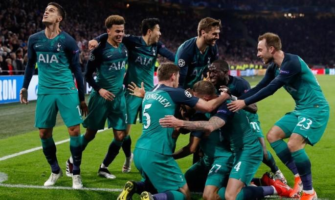 Год назад Лукас Моура шокировал Амстердам, не пустив Аякс в финал Лиги Чемпионов. ВИДЕО