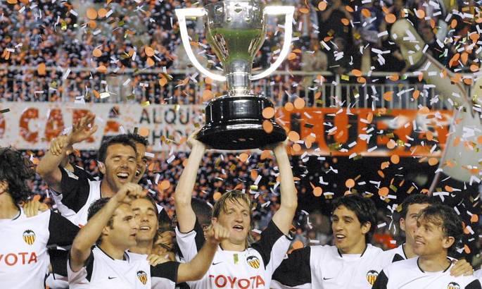 Шестнадцать лет назад Валенсия стала чемпионом Ла Лиги. После началась гегемония Барселоны и Реала