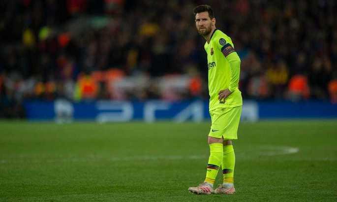 Месси и Барселона. Если Лионель не уйдет сейчас, то не уйдет уже никогда. И затормозит процесс революции в клубе