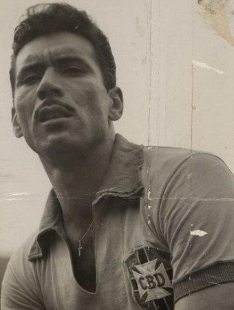 Енциклопедія футболу. Нілтон Сантос - найкращий лівий латераль, який став покровителем Гаррінчі - изображение 1