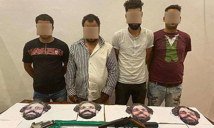 В Египте задержали четверых грабителей в масках с лицом Салаха. ФОТО - изображение 1