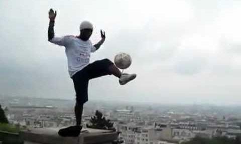 Почему фристайлеры не играют в футбол - ВИДЕО