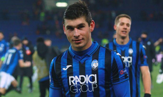 Малиновский заработал пенальти в матче с Кальяри. Защитник получил красную