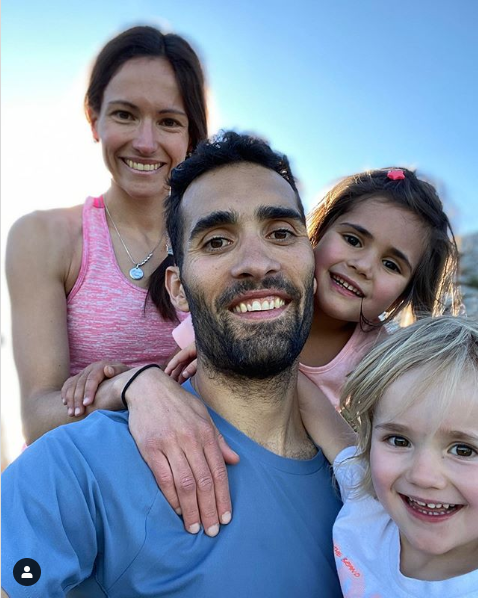 Мартен Фуркад вместе с семьей устроил пикник в горах. Фото - изображение 1