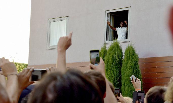 Не пророк в своем Отечестве. Марио Балотелли не изменился даже дома - изображение 3