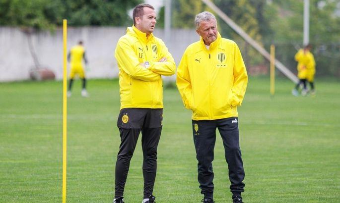 Новый тренер Руха пришел на первую тренировку в экипировке Боруссии. Клуб оперативно зафотошопил эмблему