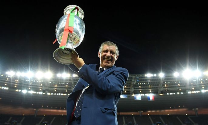 Официально: Фернанду Сантуш будет тренером Португалии до 2024-го года