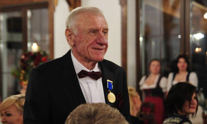 Відійшов у вічність легендарний тренер і функціонер Карпат Юрій Дячук-Ставицький