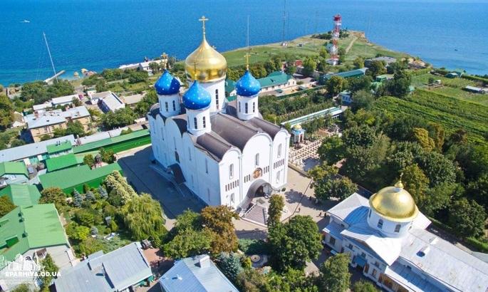 Черноморец посетил монастырь в день матча с Волынью