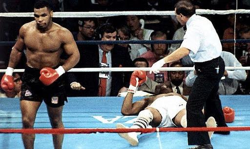 32 года назад Тайсон за 91 секунду нокаутировал Спинкса. ВИДЕО