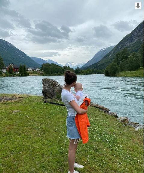 Самое милое фото дня: Йоханнес Бё показал жену и сына. Фото - изображение 1