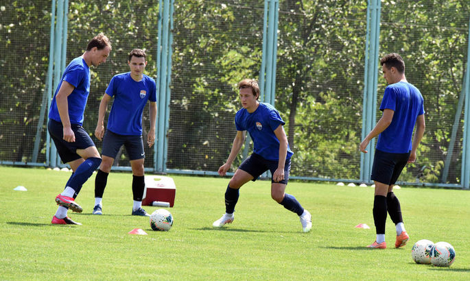 Мариуполь и Олимпик начали подготовку к своим матчам 29 тура