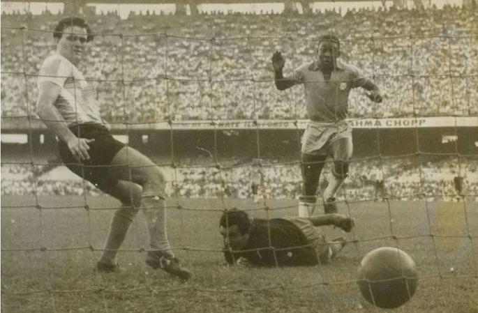 Встречайте короля! Сегодня - годовщина дебюта Пеле в сборной Бразилии - изображение 1