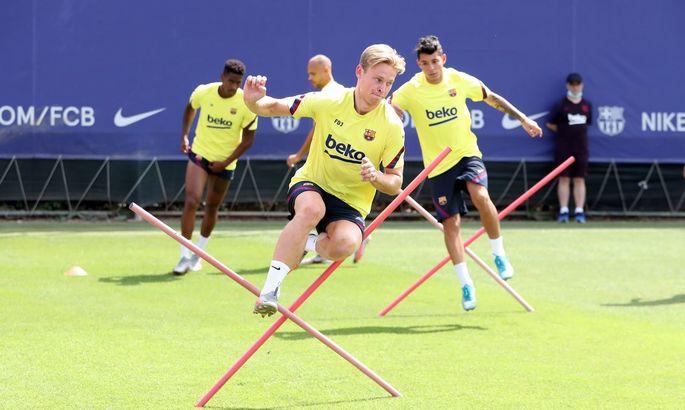 Барселона не сможет рассчитывать на Артура и де Йонга в ближайшем матче