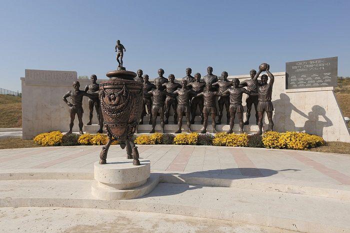 Договорняки, аферисты и барахолка на Раздане: печальные реалии армянского футбола - изображение 3