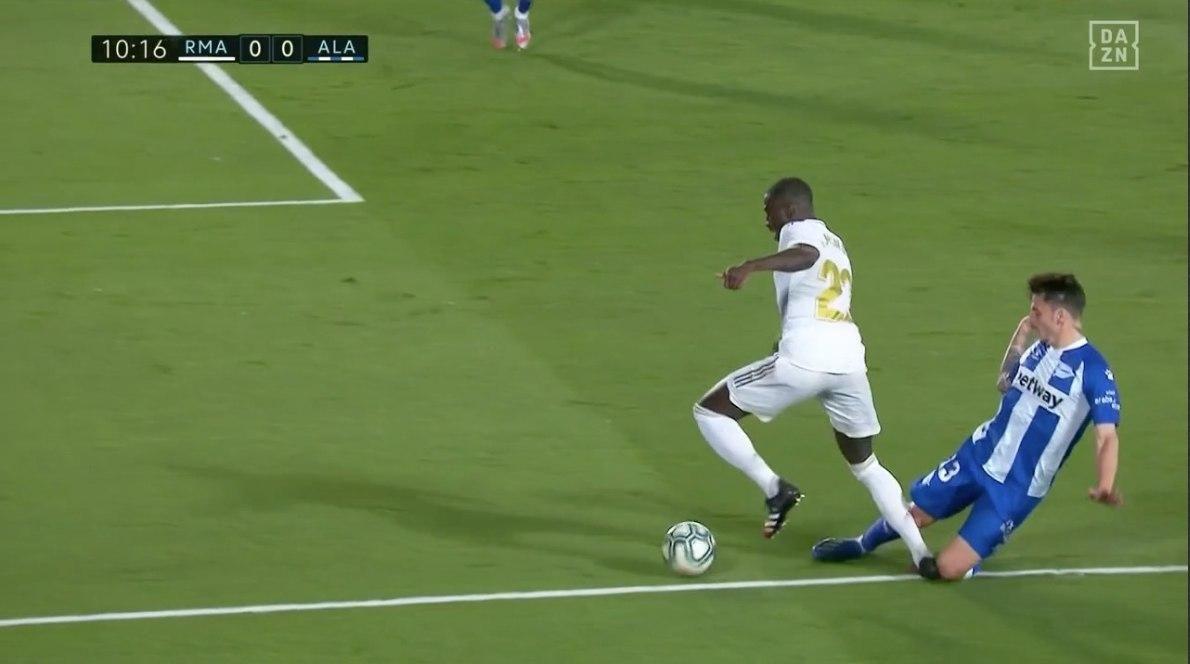 Прімера. 35-й тур. Реал - Алавес 2:0. Пенальті в тренді і без Рамоса - изображение 1