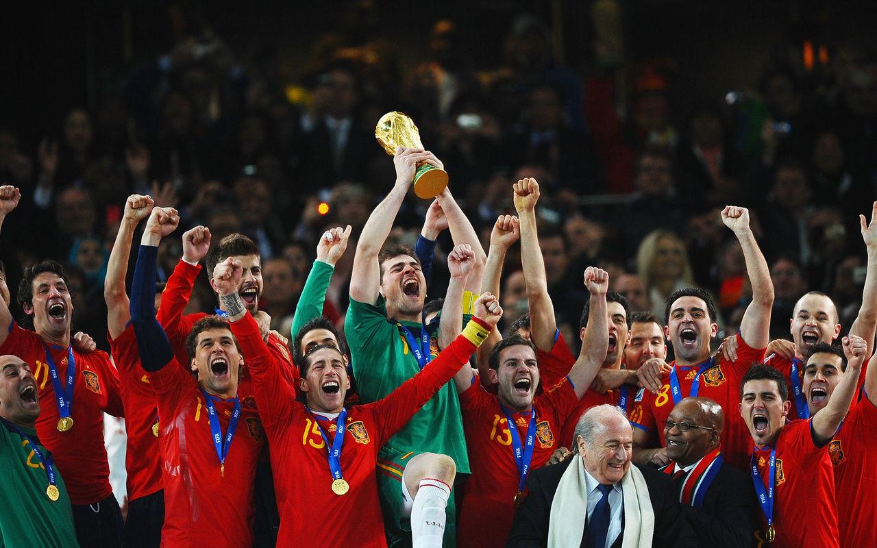 Сегодня 10 годовщина победы Красной фурии на ЧМ-2010 - изображение 5