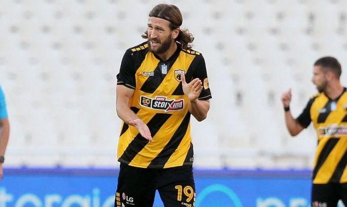 Чигринский сыграл за АЕК в главном матче тура и гарантировал продление контракта