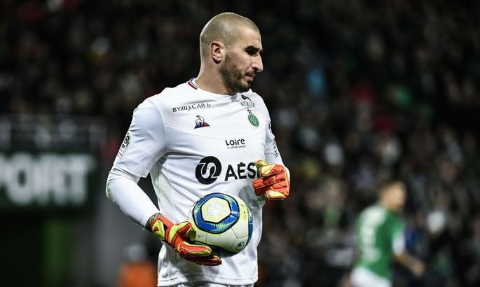 Сент-Етьєн розірвав контракт зі своїм воротарем Руфф'є