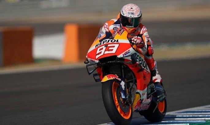 Шестикратный чемпион Moto GP сломал руку в первой гонке сезона