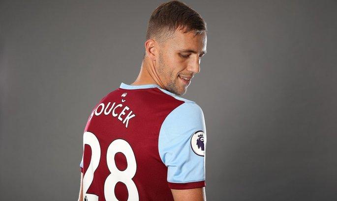 Официально: Вест Хэм выкупил контракт чешского полузащитника