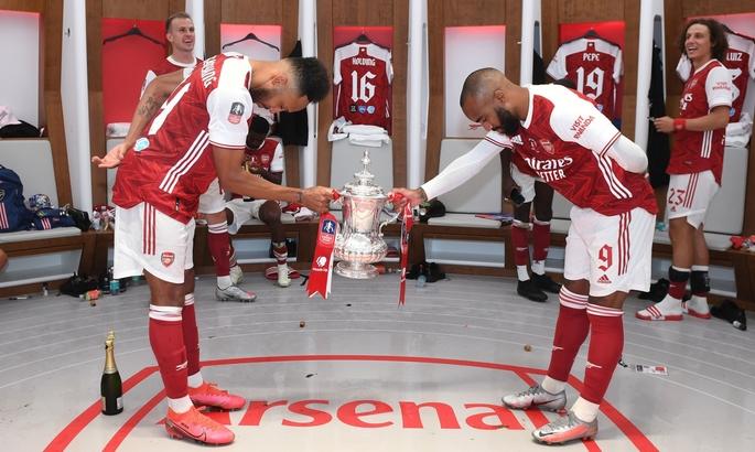 Бронза Маліновського, Кубок Англії Арсеналу, Золота бутса Іммобіле. Головні новини за 1 серпня