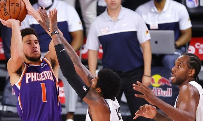 Проход и данк Букера – момент дня в НБА. ВИДЕО