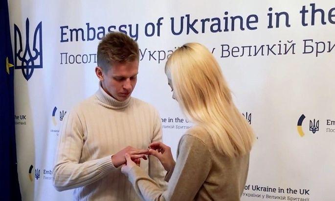 """""""Соррі, Зінченко більше не холостяк."""" Влада Седан розповіла, що стала дружиною гравця Ман Сіті - изображение 2"""