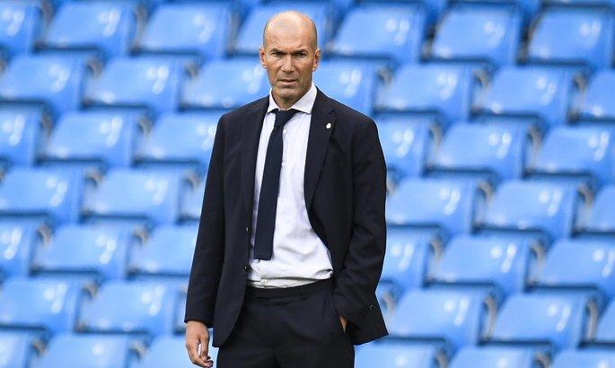 Зидан: Пока что остаюсь тренером Реала