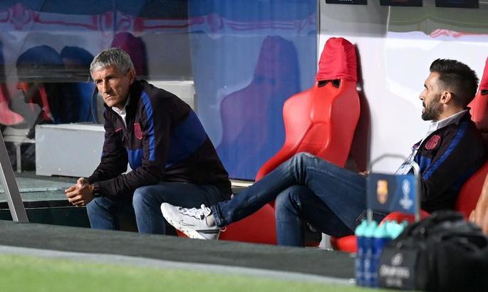 Приреченість та прострація. Фото з роздягальні Барселони в перерві матчу проти Баварії