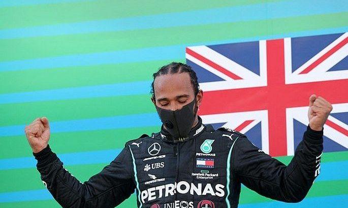 Формула-1. Хэмилтон побеждает в гонке Гран-при Португалии