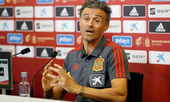 Раздал маски: Луис Энрике оригинально огласил заявку сборной Испании на матчи с Украиной и Германией