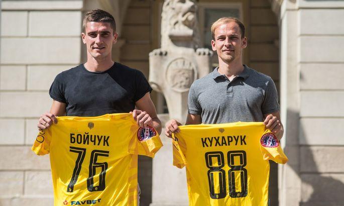 Рух подписал контракт с двумя игроками Агробизнеса