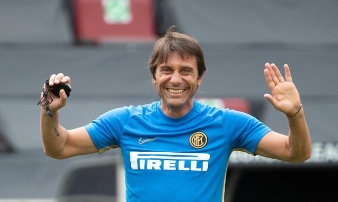 Антонио остается: Интер подтвердил, что Конте продолжит работать с клубом