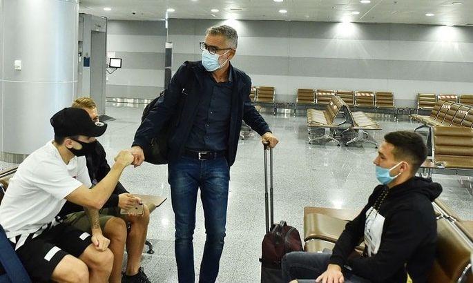 Сине-желтые отправляются из Швейцарии в Украину, Нати распустили свою команду еще вчера