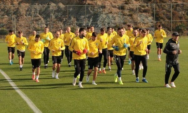 Александрия подпишет новых игроков и проведет 2 спарринги