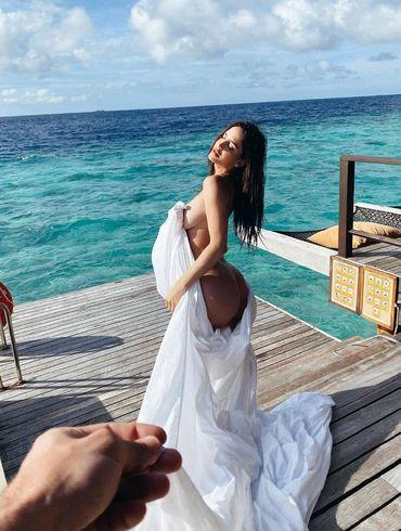 Неймар почав зустрічатися з сексуальною моделлю, яка пішла від суперпопулярного співака. ФОТО