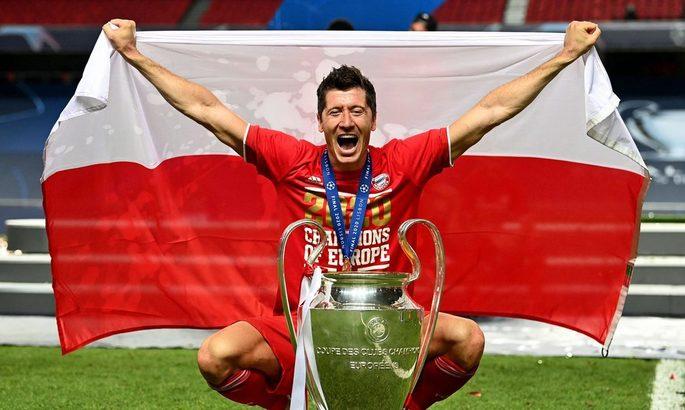 Левандовски признан игроком года в Германии