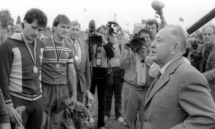 Они перехитрили Штази: как пара футболистов из ГДР прорвала Железный занавес - изображение 2