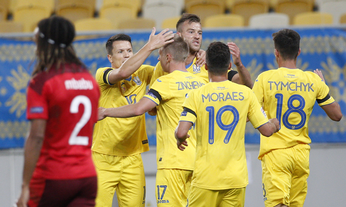 Украина – Швейцария 2:1. Не без нервов и не без ошибок, но с чудо-голами