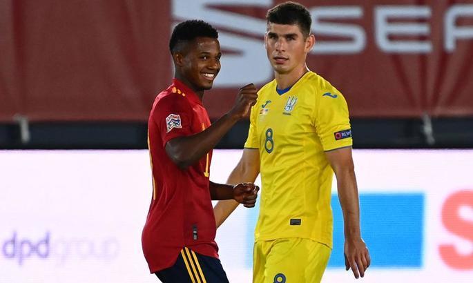 Пятов и Сидорчук - лучшие из состава сборной Украины в матче с Испанией