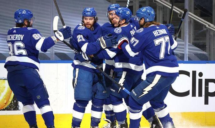 НХЛ: Тампа сравняла счет в серии с Айлендерс