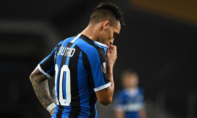 Агент Мартинеса объявил, что форвард не покинет Интер