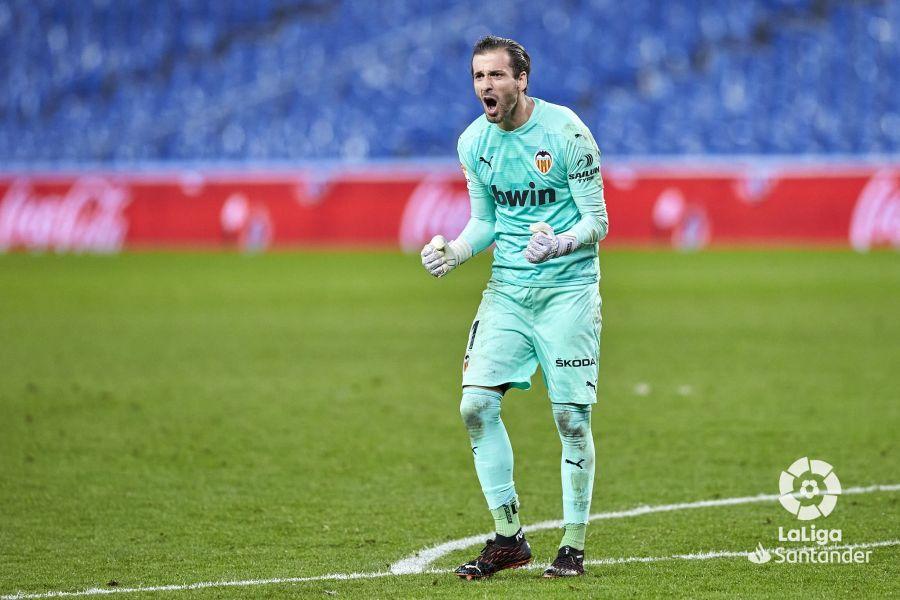 Прімера. 4-й тур. Валенсія здивувала Реал Сосьєдад, Бетіс з великим рахунком програв Гетафе - изображение 1