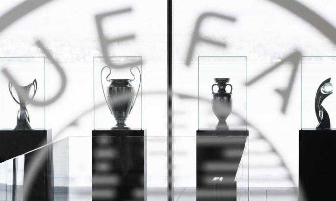 Офіційно: УЄФА дозволив повернення уболівальників на трибуни