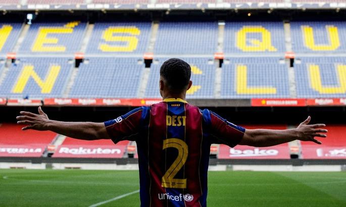 Спадкоємець Алвеса. Новачок Барселони гратиме під другим номером
